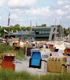 Das Ostsee Info-Center liegt direkt am Eckernförder Kurstrand und hat ganzjährig geöffnet. Der b ...