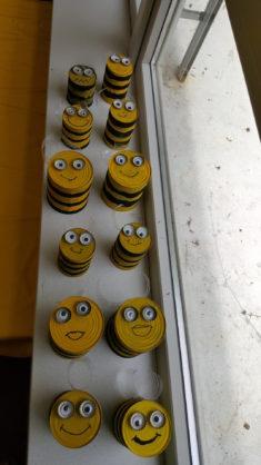 Insektenhäuser als Bienen
