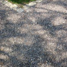 Vorher: Blumenschotterrasen – Schritt für Schritt