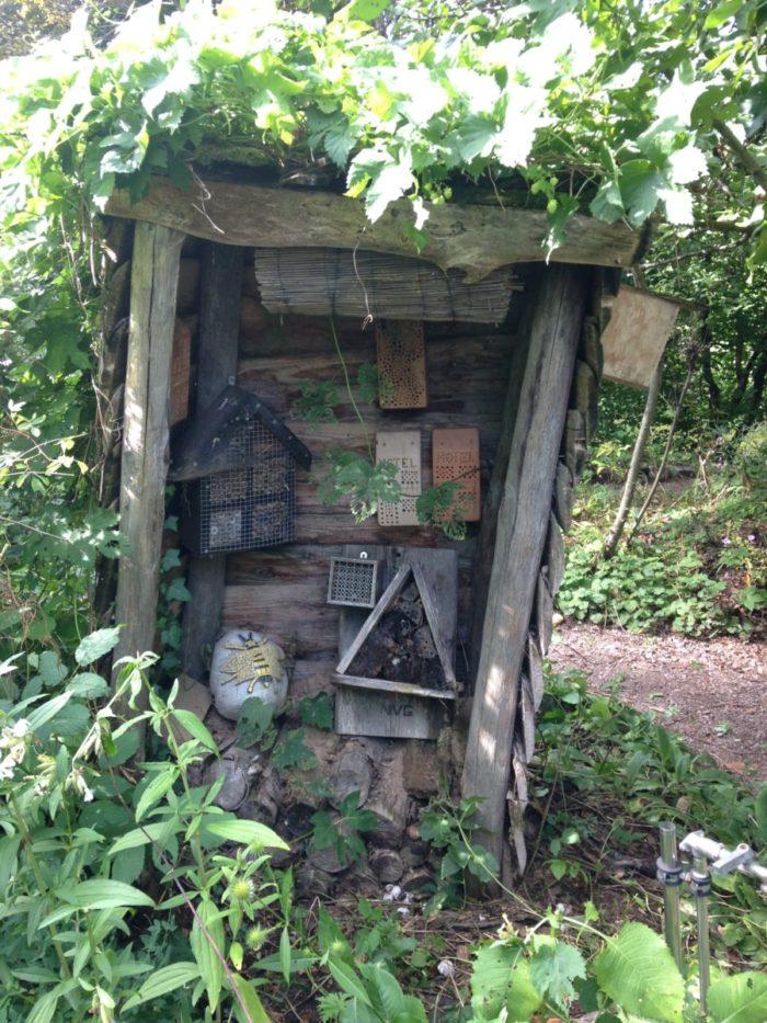 Naturgarten: Mein altes Wildbienenhäuschen