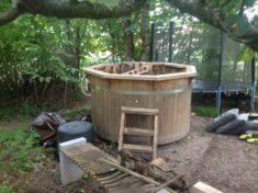 Projektidee: Aus einem Hot-Tube (Gartenbadewanne) wird ein Maxi-Moor