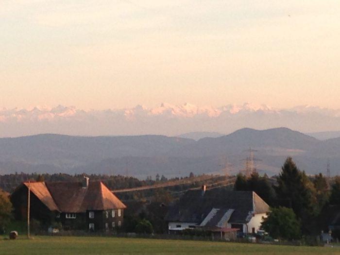 Idee: Vorderer Hotzenwald mit Alpenpanorma auf einer Sonnenliege geniessen