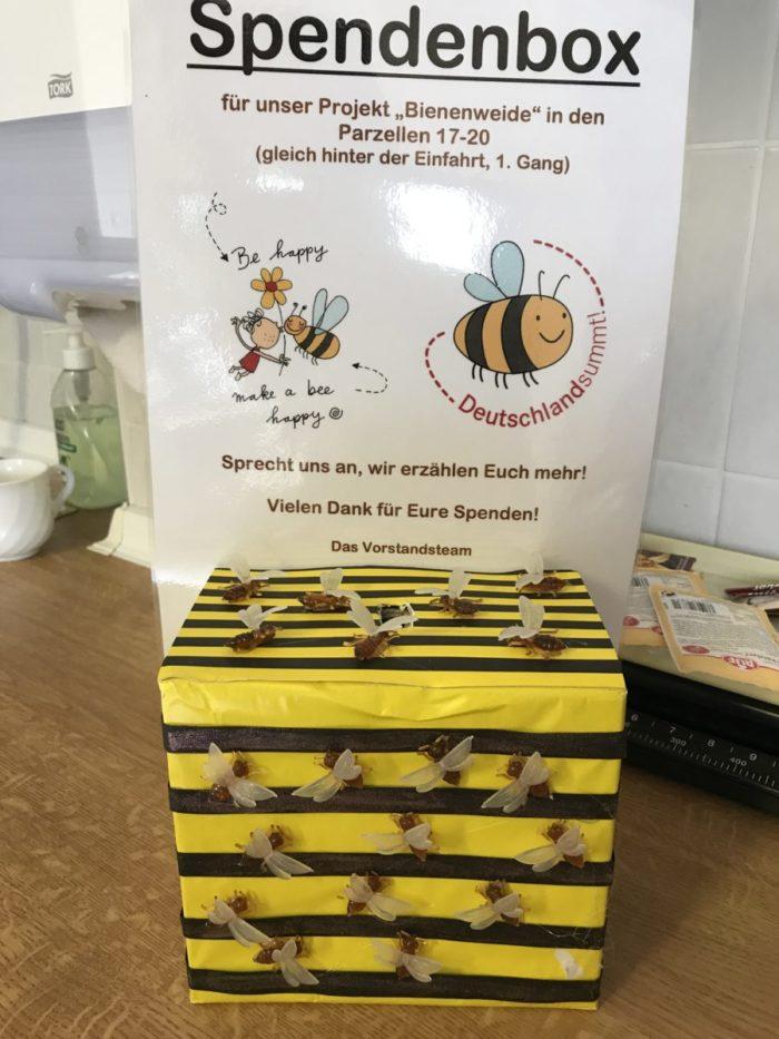 Spendenbox beim Sommerfest