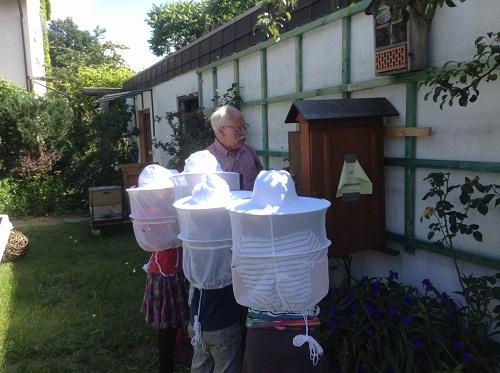 Kids im Honigbienen Lehrpfad !