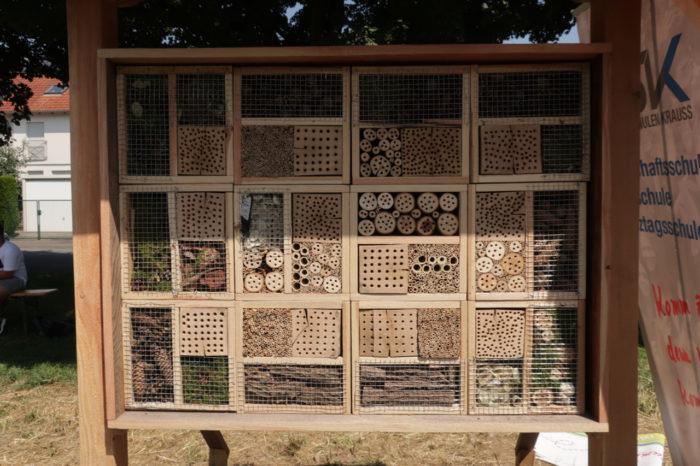 Die Zimmer vom Insektenhotel